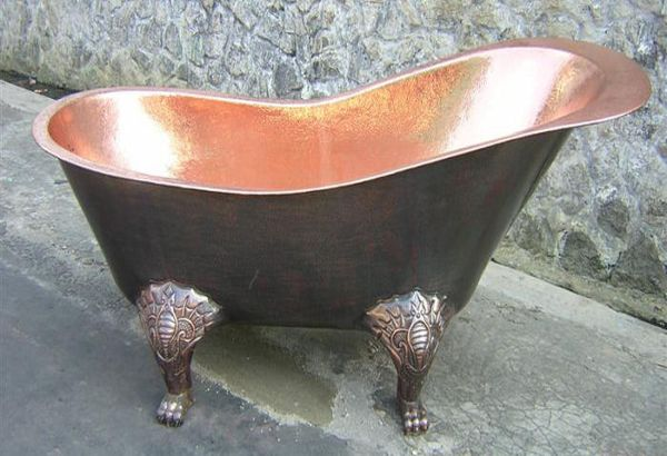 Оригинальная медная ванна