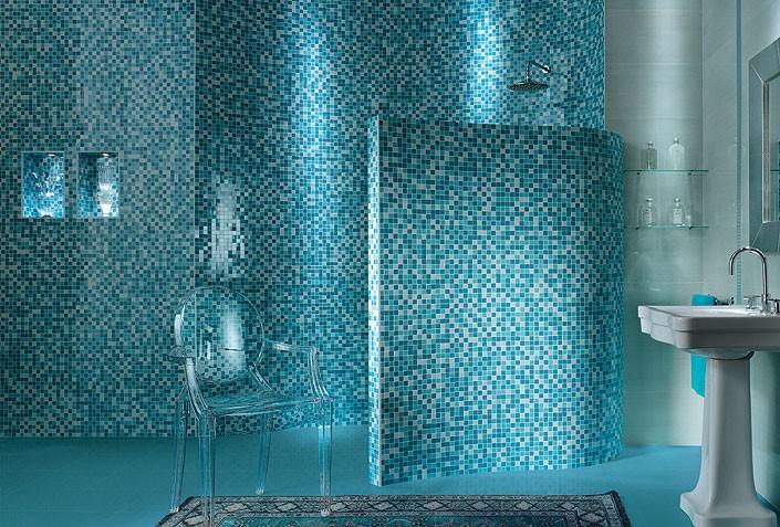 Бирюзовая мозаика в ванной