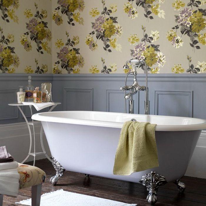 Возможность использовать обои в ванной позволяет значительно расширить диапазон дизайнерских идей