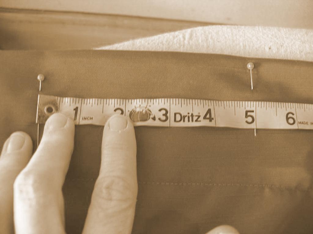 Чтобы рассчитать общее количество ткани, умножьте длину детали занавеси на количество полотнищ, не забывая про припуски на швы