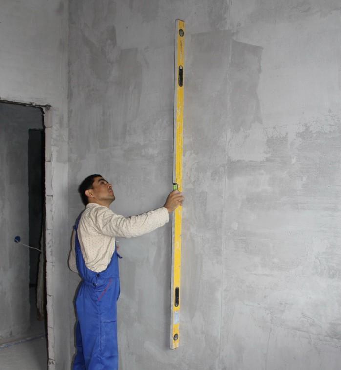 Проверьте ровность стен правилом