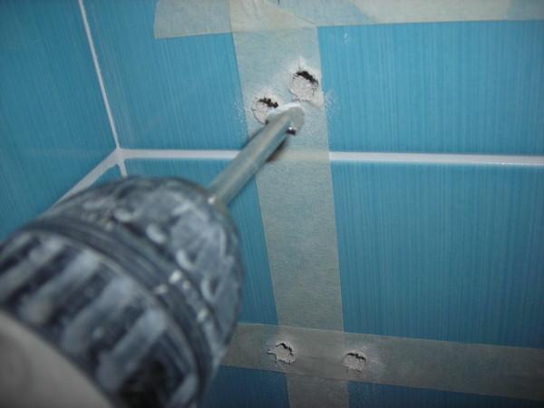 Как просверлить плитку в ванной