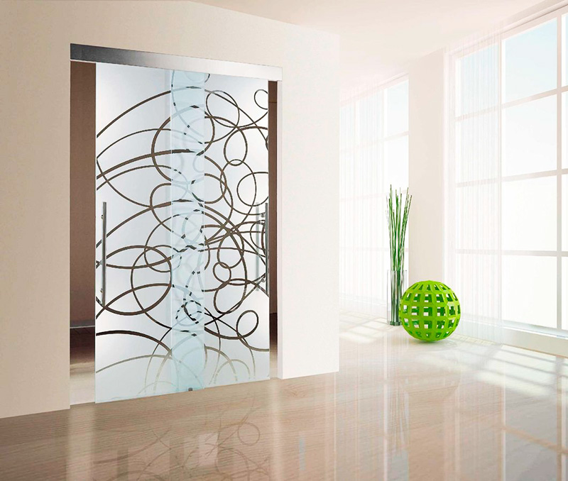 Декоративные стеклянные двери - дорогое удовольствие