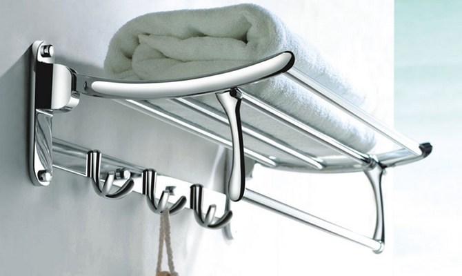 Полка для полотенец в ванную комнату