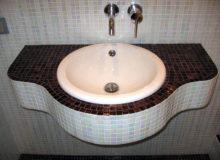 Пример отделки столешницы мозаикой