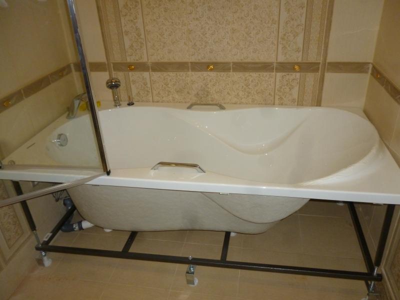 Установка акриловой ванны на каркас