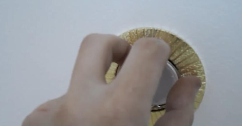Установите стопорные кольца