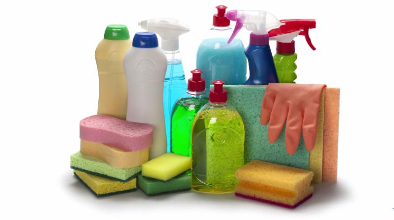 Для чистки подойдут мягкие губки и неабразивные средства