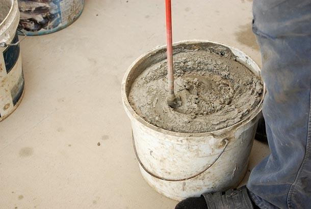 Перемешивание плиточного клея