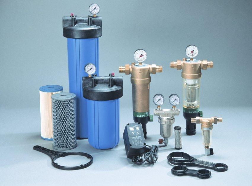 Различные варианты бытовых проточных фильтров для воды