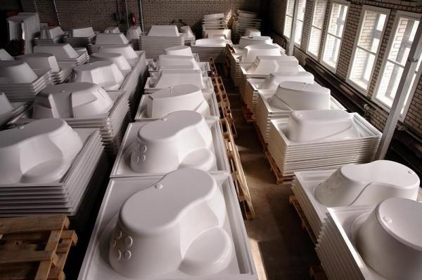 Важно, чтобы толщина акрила по всей длине ванны была одинаковой