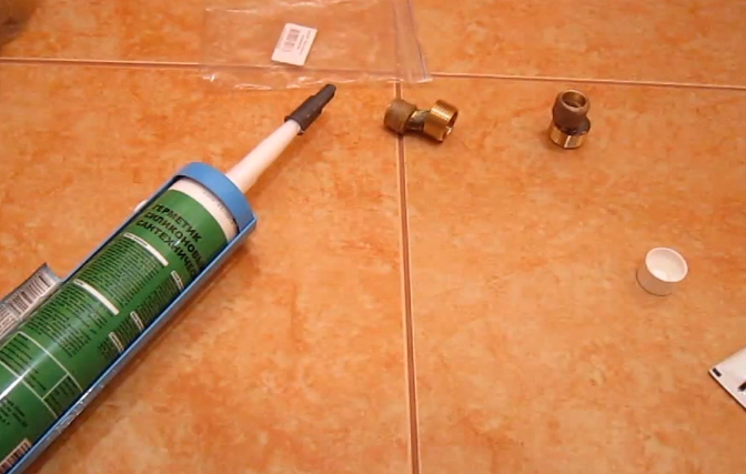 Вместо пасты можно нанести на лен герметик