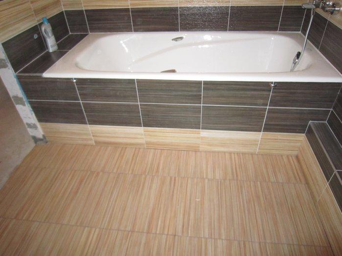 Экран под ванну, облицованный плиткой