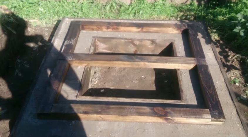 Бруски на бетонной плите
