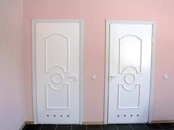 Металлопластиковые двери для ванной