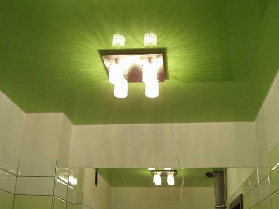 Натяжной потолок зеленого цвета