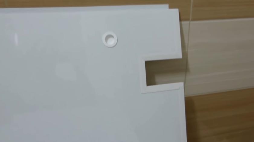 Пластиковые самодельные дверцы для экрана