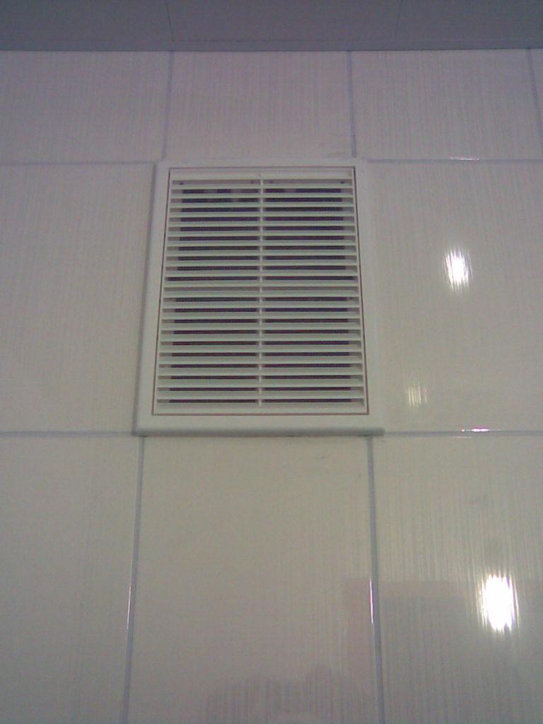 Обычно производительность вентиляторов для ванных комнат составляет 95 — 100 м3 /час