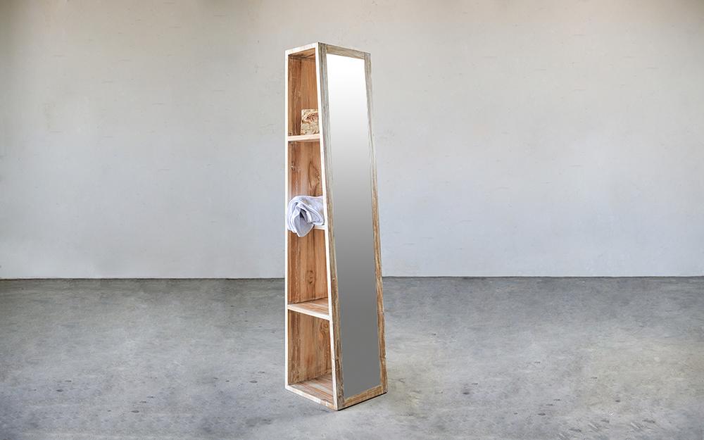 Деревянный стеллаж с зеркалом