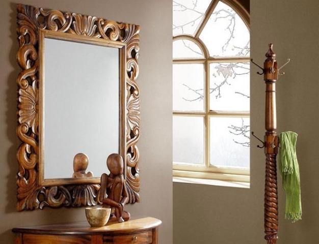 Зеркало в ванной комнате добавляет света и пространства
