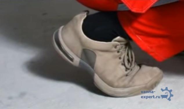 Работайте в обуви с мягкой подошвой