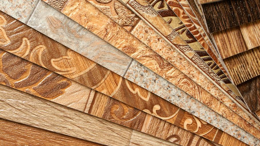 При выборе напольного покрытия нужно обращать внимание на соотношение качества и цены