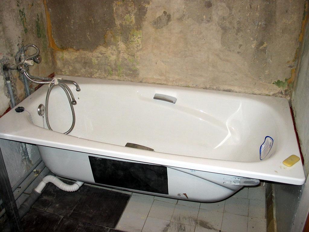 Стальные ванны отличаются доступной ценой и небольшим весомСтальные ванны отличаются доступной ценой и небольшим весом