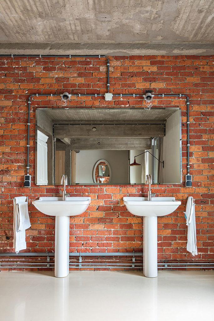 Дизайн ванной комнаты лофт-квартиры