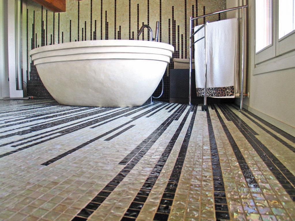 Мозаика на пол для ванной