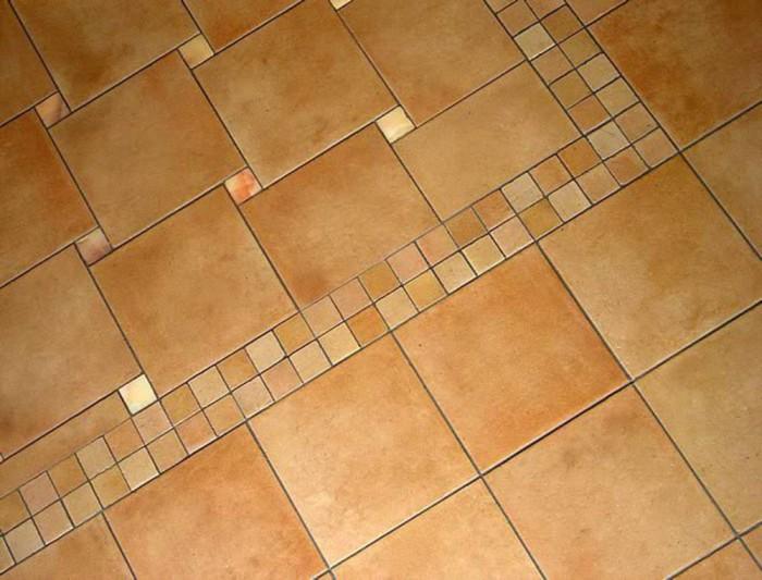 Уложенная на пол плитка