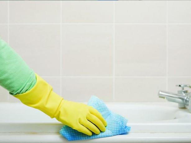 Обезжиривание поверхности ванны