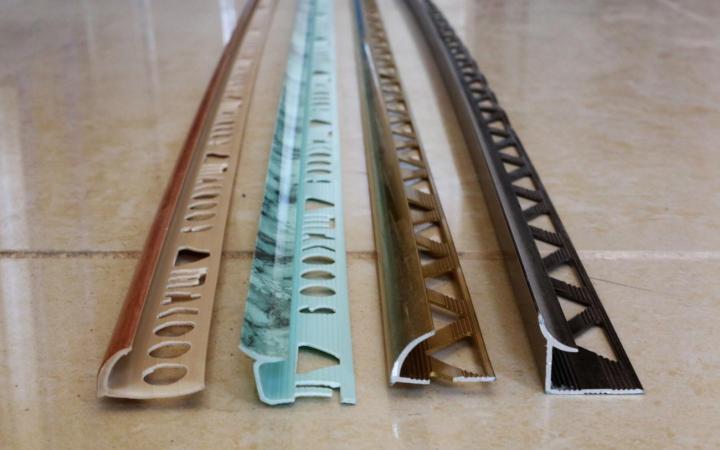 Пластиковые и металлические отделочные уголки для плитки
