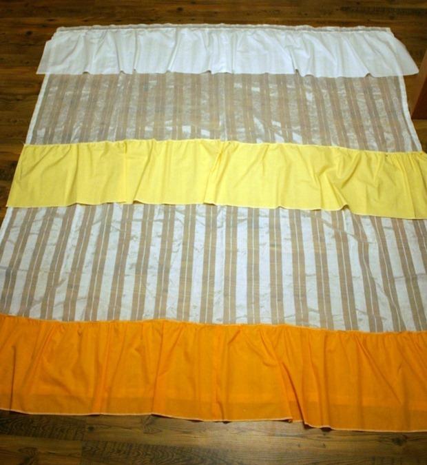 Пришиваем полоски ткани по очереди