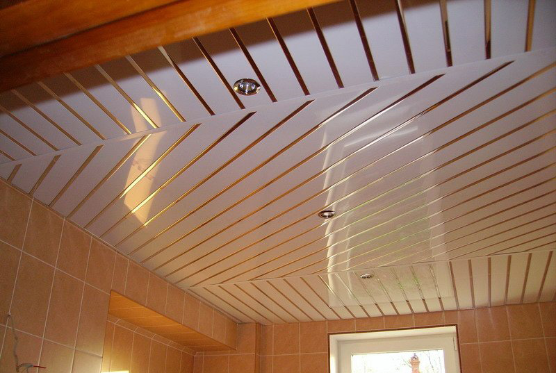 Реечный потолок - фото