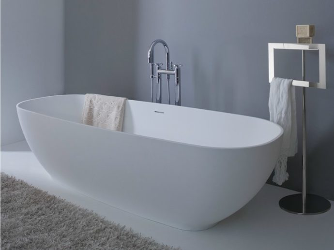 Ванна из керамики