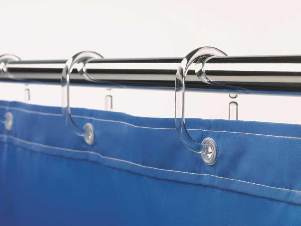 Оптимальный способ крепления шторы – пластиковые полукольца
