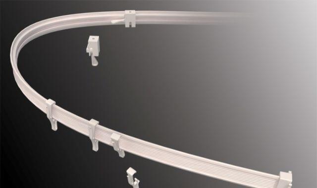По желанию монтажника меняет форму гибкий карниз для штор