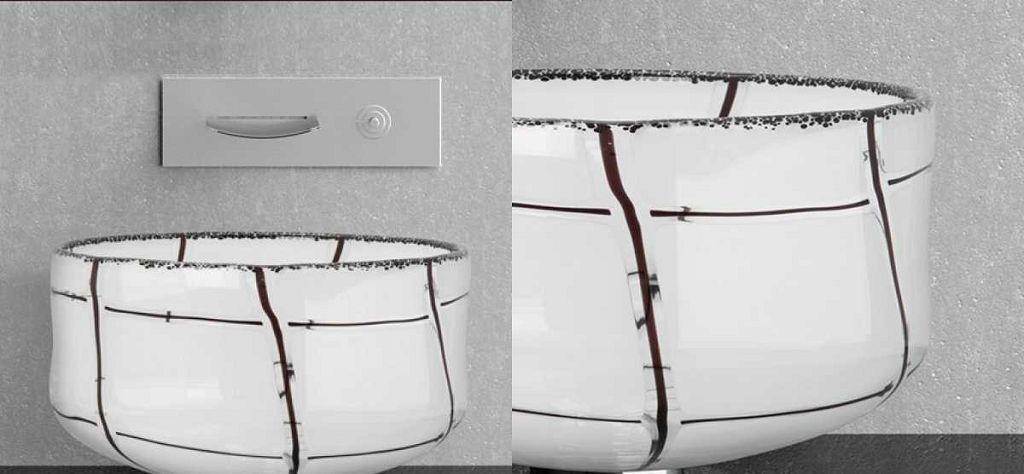 Раковина из муранского стекла с настенным смесителем