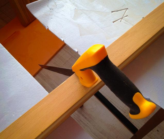 Выпиливание ножек из бруса