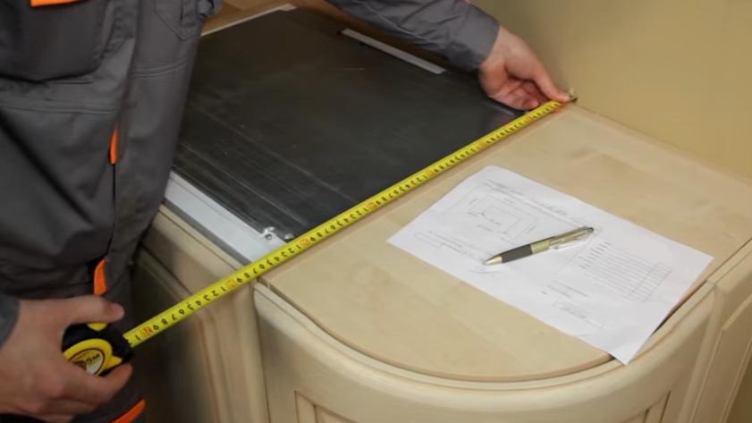 Выполнение замеров шкафчиков