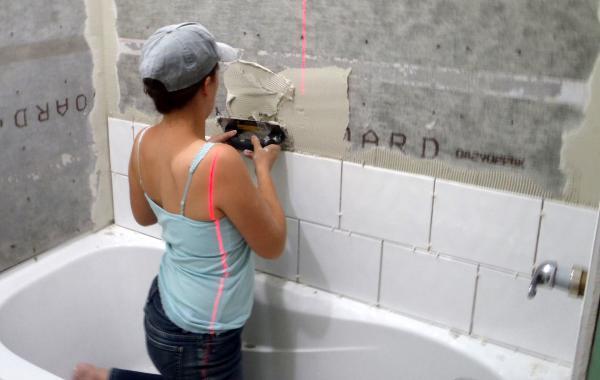 Защитите поверхность ванны до конца отделочных работ