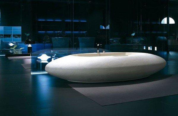 Овальная ванна в футуристическом стиле