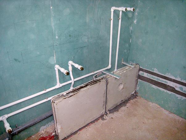Пример новой разводки труб в ванной комнате