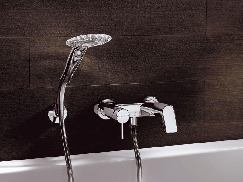 Смеситель как часть интерьера ванной комнаты