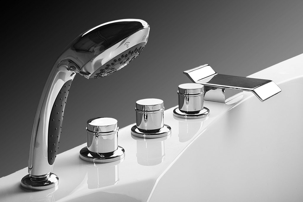 Смеситель на борт ванны