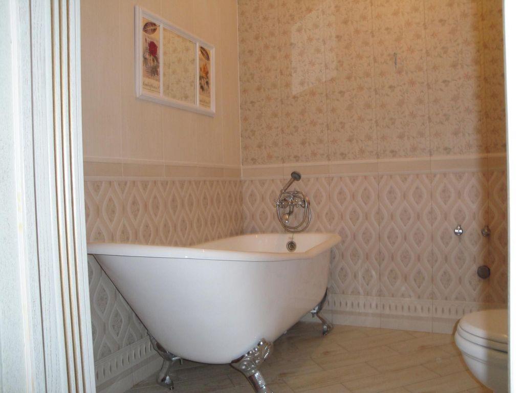 Важно обращать внимание на расположение слива ванны