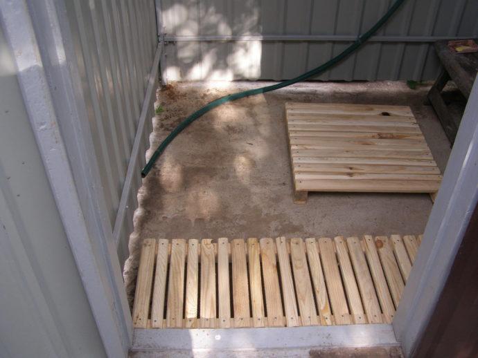 Деревянные напольные решетки