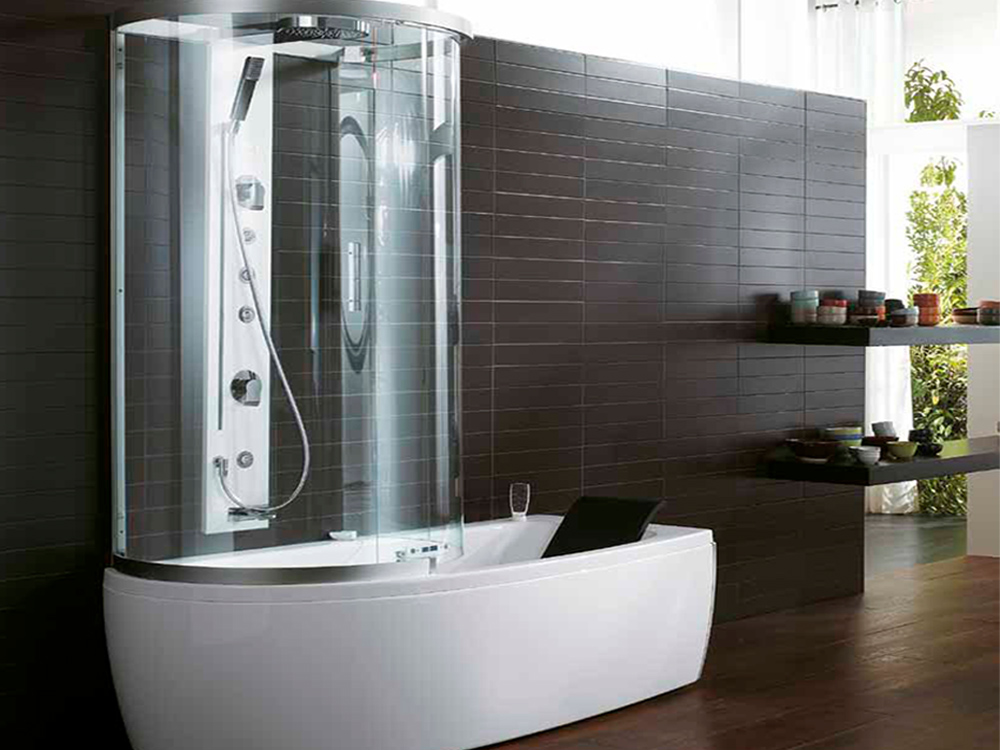 Душевая кабина, совмещенная с ванной