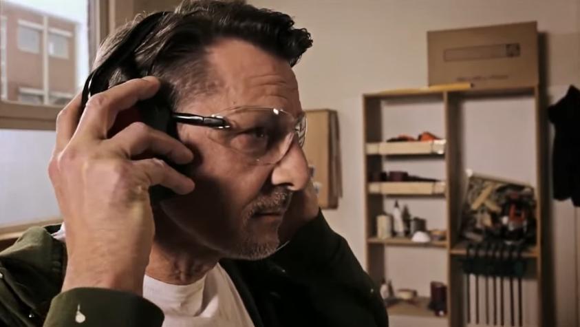 Настоящие профи пользуются очками и наушниками