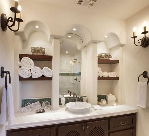 Полочки в ванной комнате полностью мобильны